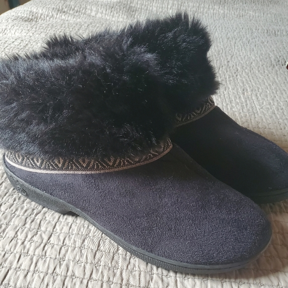 Black Faux Fur Isotoner Slippers